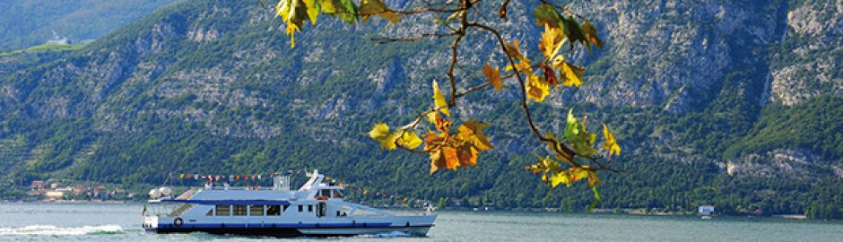 Boat tour lake Iseo